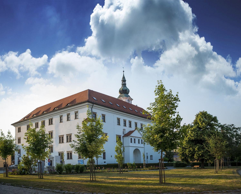 Uherský Ostroh - zámek