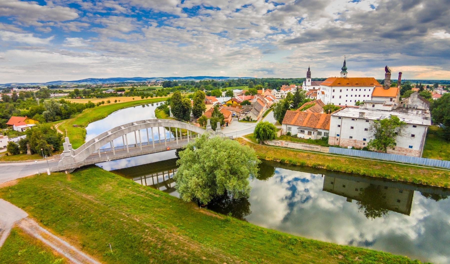 001-Město-Uherský-Ostroh